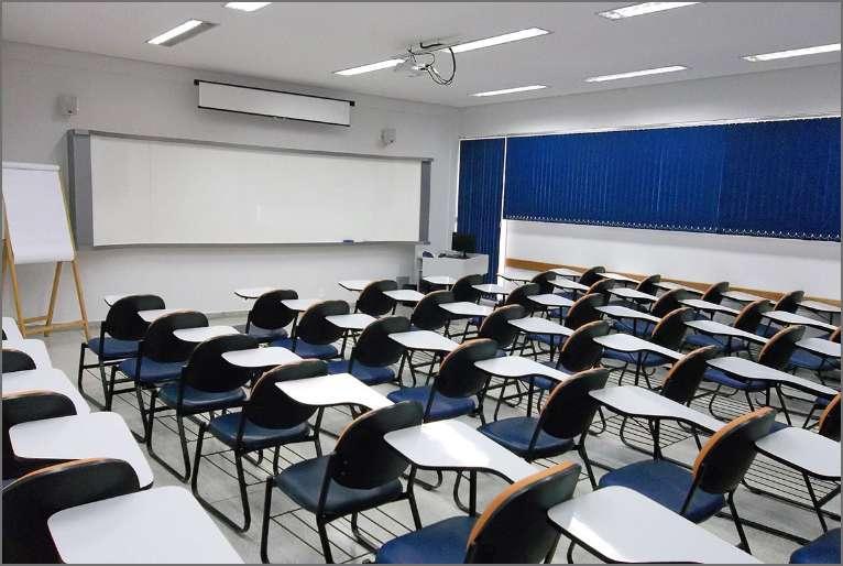 23 salas de aula multimídia, todas climatizadas, confortáveis e com fácil acesso.